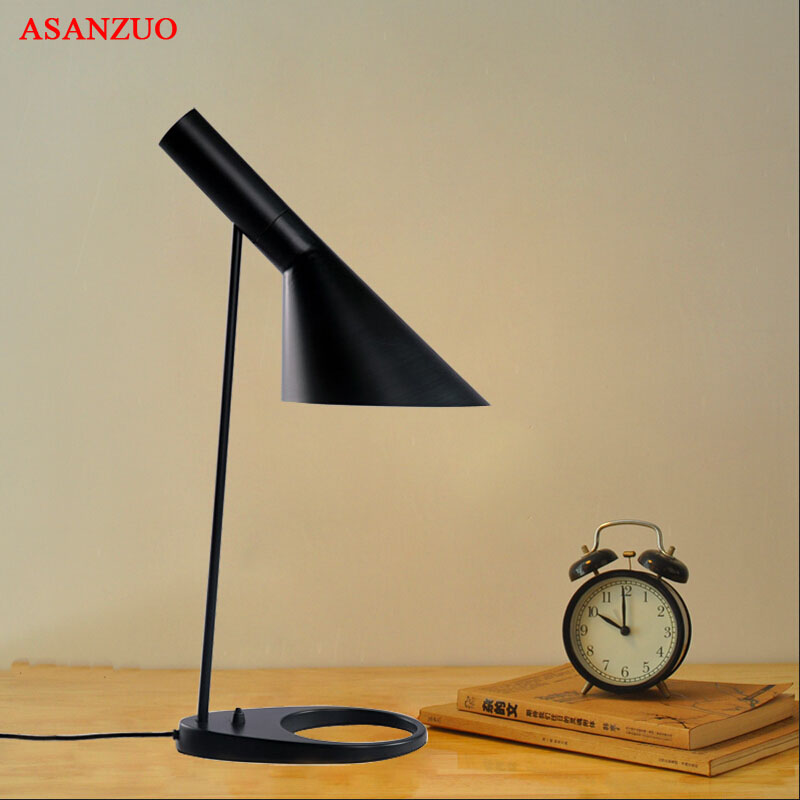 Modern Table Lamp White Black classic table lamp  Study office table lamps personality decoration Lighting fixturesModern Table Lamp White Black classic table lamp  Study office table lamps personality decoration Lighting fixtures