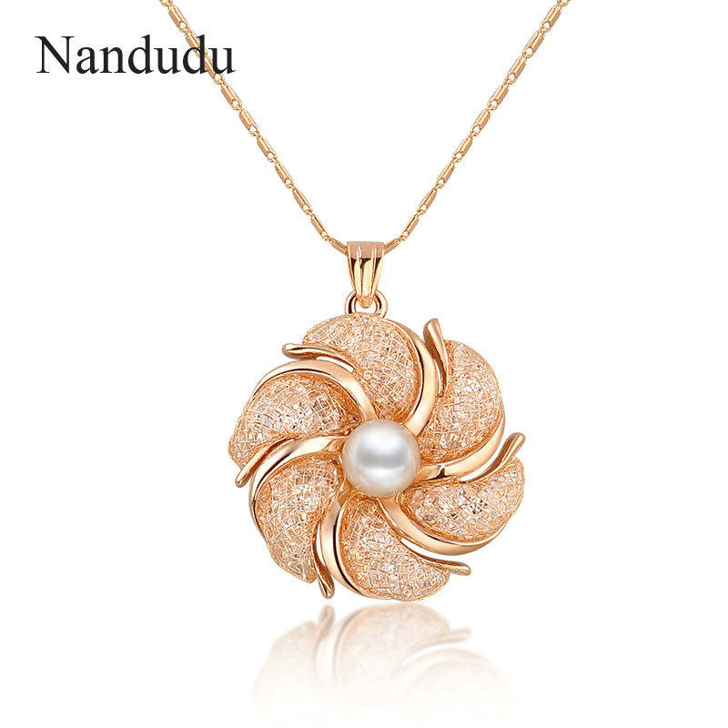 Nandudu Fashion Necklace Rose Wire Mesh Flower Crystal Pearl Pendant Necklaces Gift for Women CN165 alloy rose flower pendant necklace