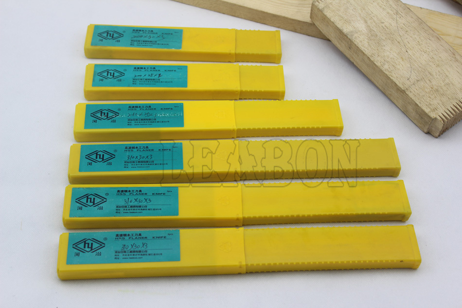 Купить с кэшбэком LEABON 300x30x3mm Free Shipping Woodworking Tools W6% HSS Planer Knives  (A01006035)