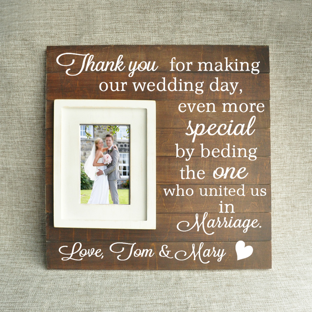Us 36 99 Gepersonaliseerde Houten Fotolijst Cadeau Voor Vader Moeder Bruiloft Officiant Gift Dank U Voor Maken Onze Bruiloft Zelfs Meer
