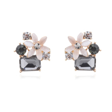 2018 Hot Style Fashion Square Crystal Stud Earrings Geometric Flower Rhinestone Pendientes Elegant For Women Charm Party Jewelry