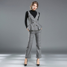 2016 Autumn and Winter Women's New Solid Color Was Thin Sweater + Check Strap Vest + Trousers Three-piece High-quality Suit