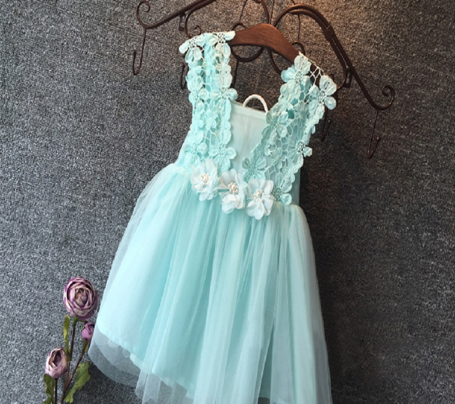 ab0c9580563 High Quality 2015 XMAS Baby Girl Princess Party Pearl Lace Tulle Flower  Gown Fancy Dress Sundress-in Dresses from Mother   Kids on Aliexpress.com