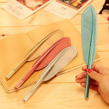 20 adet/grup Sıcak Satış Yaratıcı Tüy Şekli Tükenmez Kalem Yüksek Kaliteli Plastik Yazı Çocuklar Çocuklar için Ücretsiz Kargo Hediye Kalemler