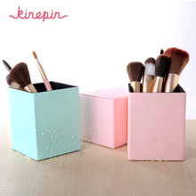 Makeup Brushes Holder Magnetic Portable PU Leather Container