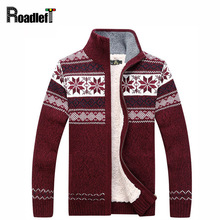 Male winter plus velvet thickening cardigan coat Men's fashion casual turtleneck sweter Men christmas flowers pattern sweater