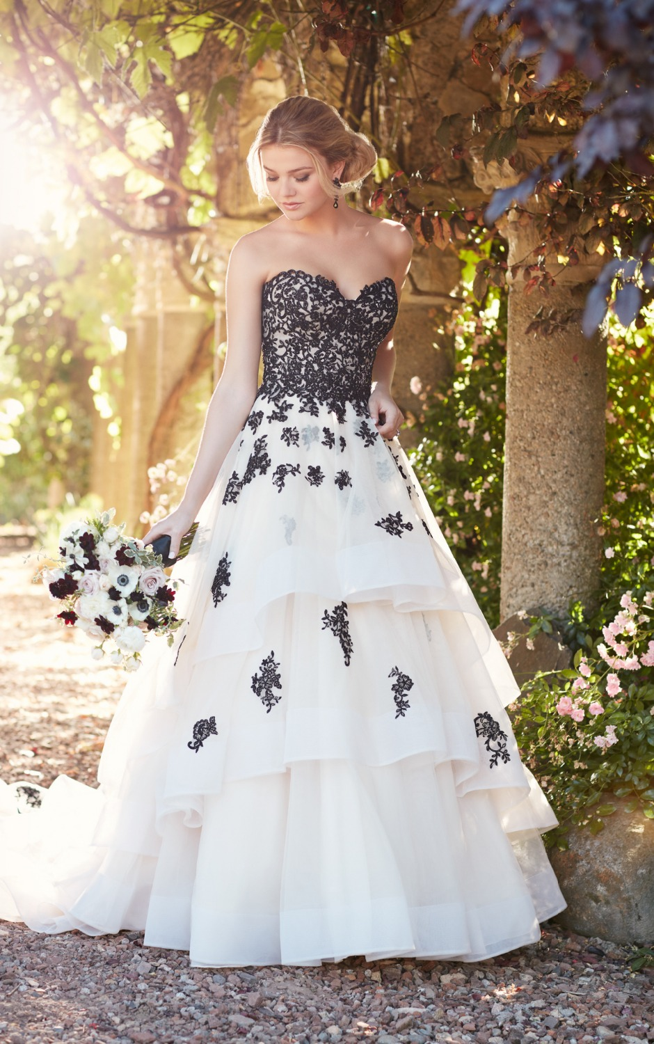 Black And White Wedding Dress 2017 Ball Gown Princess Dresses Tiered Applique Lace Bridal Robe De Soiree Longue: Black Ball Gown Princess Wedding Dresses At Reisefeber.org