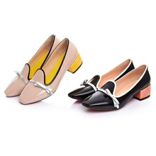 Free delivery New Scorching sale Spring Summer time Ladies footwear Excessive heels Pumps Black real leather-based sq. Toe Patent Leather-based pumps