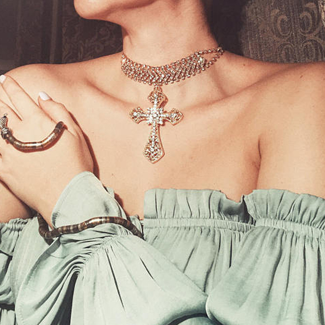 KMVEXO Luxury Cross Pendant Statement Necklace 2017 Big Rhinestone Choker  Maxi Crystal Necklaces Collier Femme Jewelry Collares cc330b9dcc01