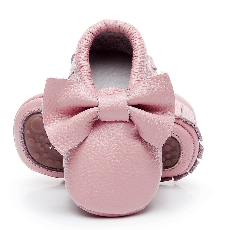 2018 top quality Newborn baby moccasins genuine leather soft rubber bottom Fringe bow baby shoes first walker boot for 0-24M