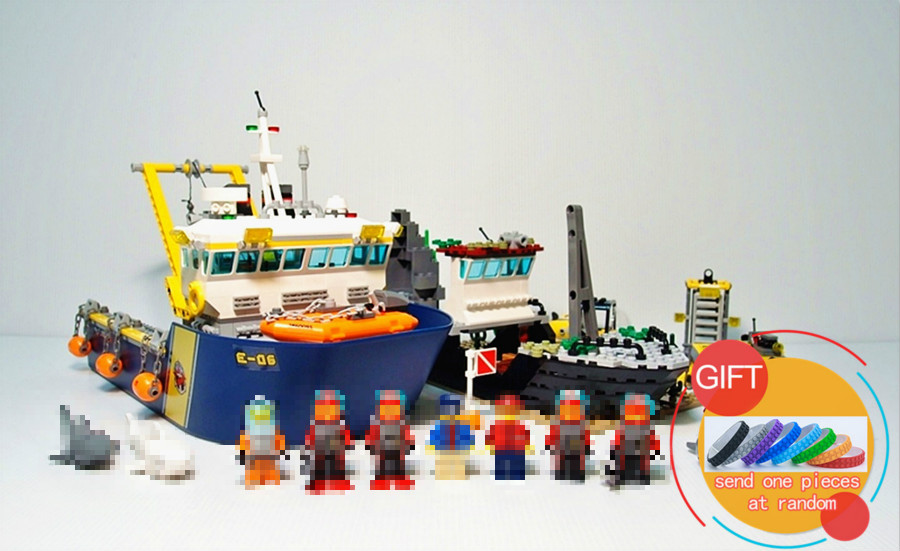 02012 774Pcs City Series Deep Sea Exploration Vessel set Building Blocks Compatible with 60095 Toys lepin in stock lepin 02012 774pcs city series deepwater exploration vessel children educational building blocks bricks toys model gift