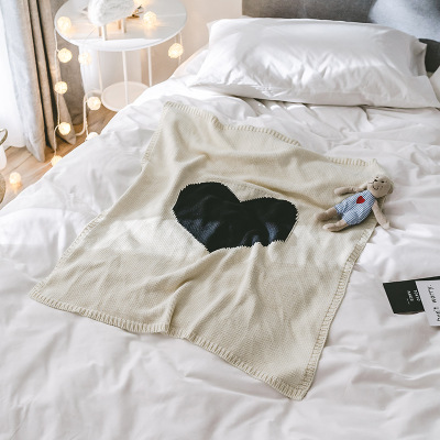 2018 New Cartoon Black heart shape Childrens/Baby/Kids Cotton Thread Knitted Blanket Throw Bedding Sofa/Air Mantas covers