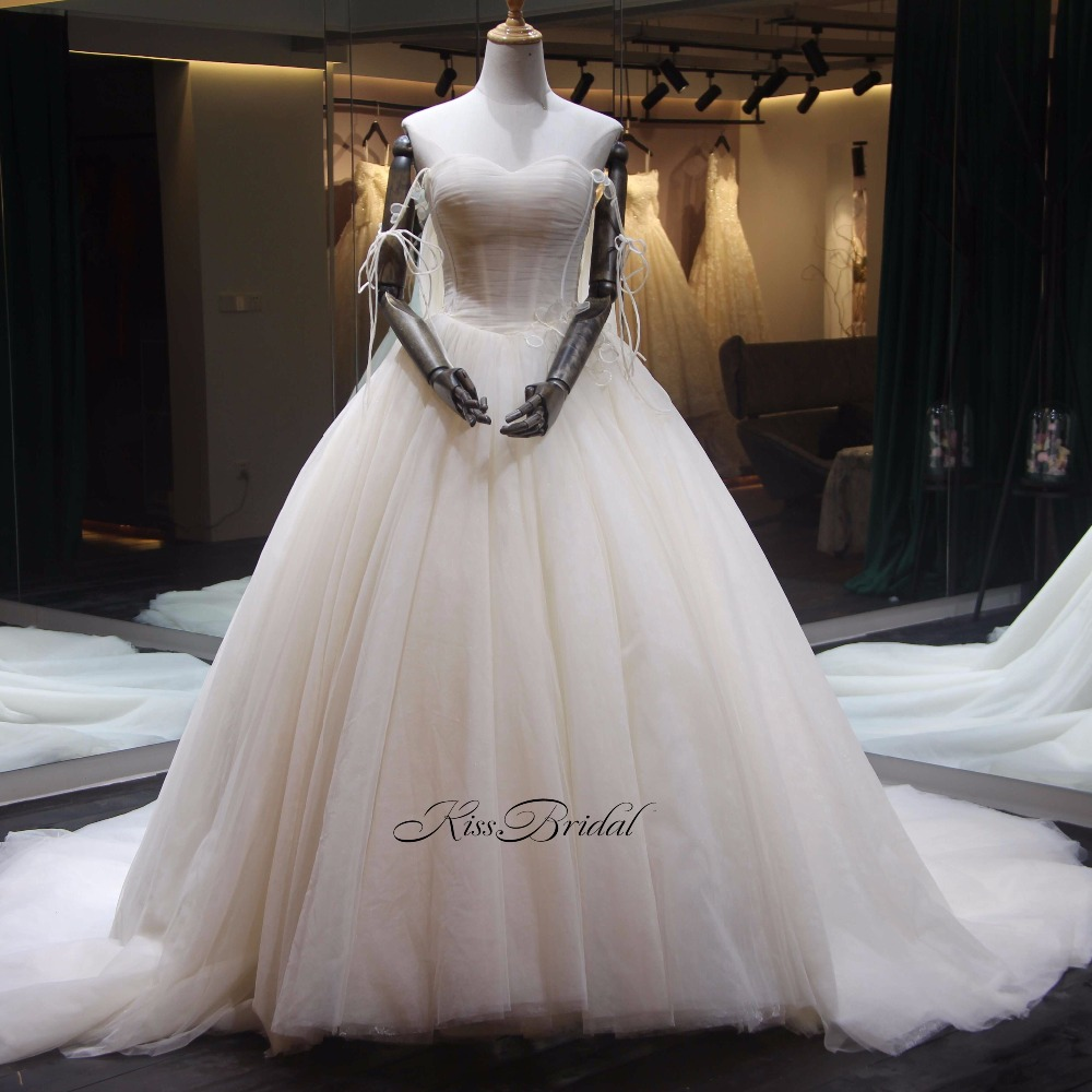 Fashionable 2020 Wedding Dresses Sweetheart Neckline Sexy Off-the Shoulder Ruched Bodice Tulle Dress Bride