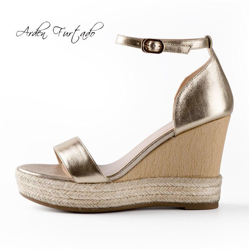 Ayakk.'ten Yüksek Topuklular'de Arden Furtado yaz takozlar yüksek topuklu 10 cm ayak bileği kayışı hakiki deri platformu altın sandalet kadın ayakkabısı bayanlar moda ayakkabılar'da  Grup 1