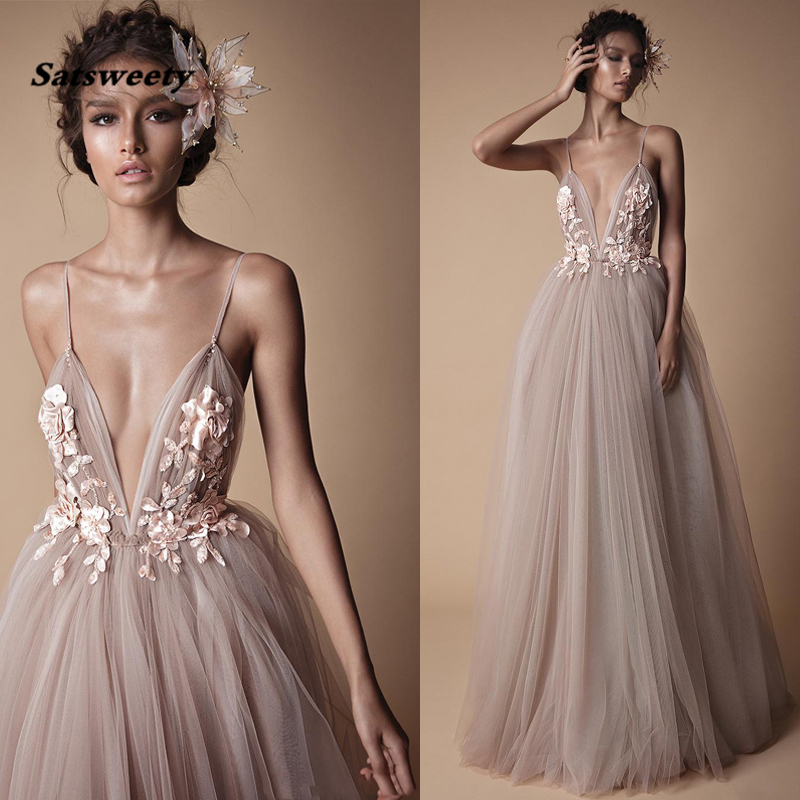 2019 Sexy Long   Prom     Dresses   Deep V Neck Spaghetti Straps Pleated Tulle Backless Fluffy Evening Party Gowns Custom Made