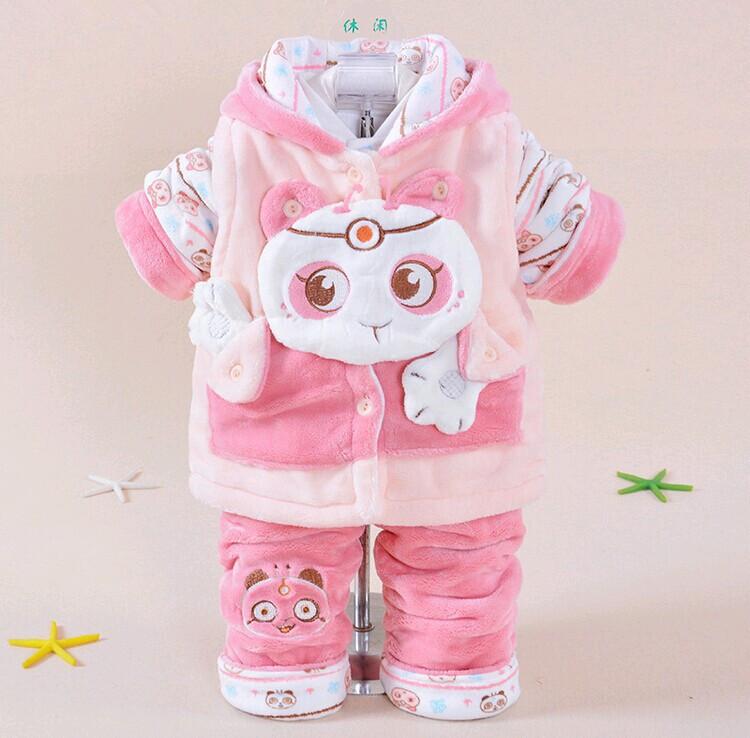 Baby Girl Clothing ( Months) It's a girl! Find everything you need to prep for the arrival of your pretty little princess. Create adorable head-to-toe outfits with the charming selection of baby girl tops, bottoms, shoes and more.