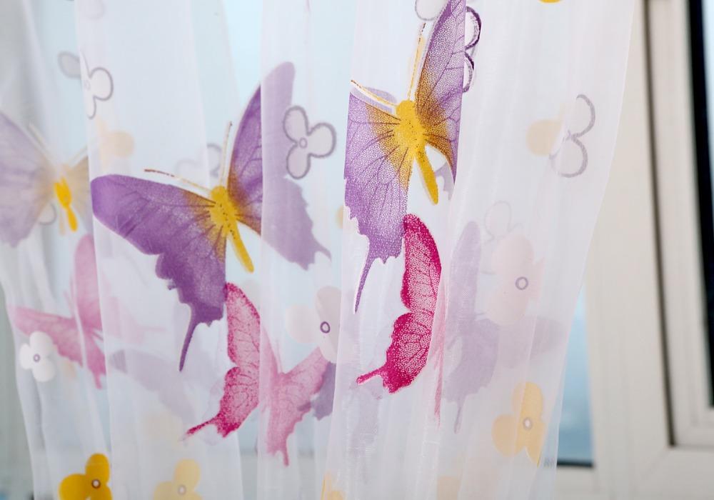 Õrnade liblikatega kardinad