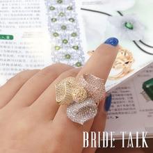 Luxury Cubic Zirconเจ้าสาวTrifoliumดอกไม้งานแต่งงานแหวนหมั้นผู้หญิงเครื่องประดับขายส่ง