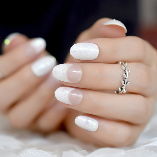 So Natural 24 Pack Short White Nails Sequins Oval Small French Nail