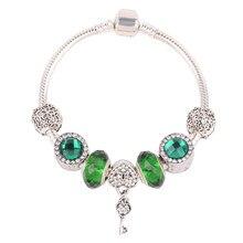 11900a1bdab9 Couqcy Europea tendencia de la moda en forma de corazón de bloqueo verde  serie perlas de cristal DIY conveniente para la pulsera.