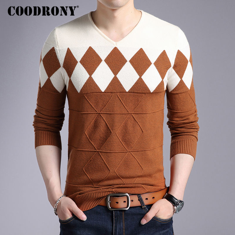 Image 2 - COODRONY Cashmere Wool Sweater Men 2019 Autumn Winter Slim Fit Pullovers Men Argyle Pattern V Neck Pull Homme Christmas Sweaters-in Pullovers from Men's Clothing