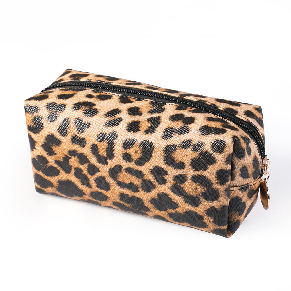 Women Storage Pouch Practical Travel Purse Large Capacity Portable PU Leather Organizer Leopard Print Cosmetic Bag Zipper Makeup