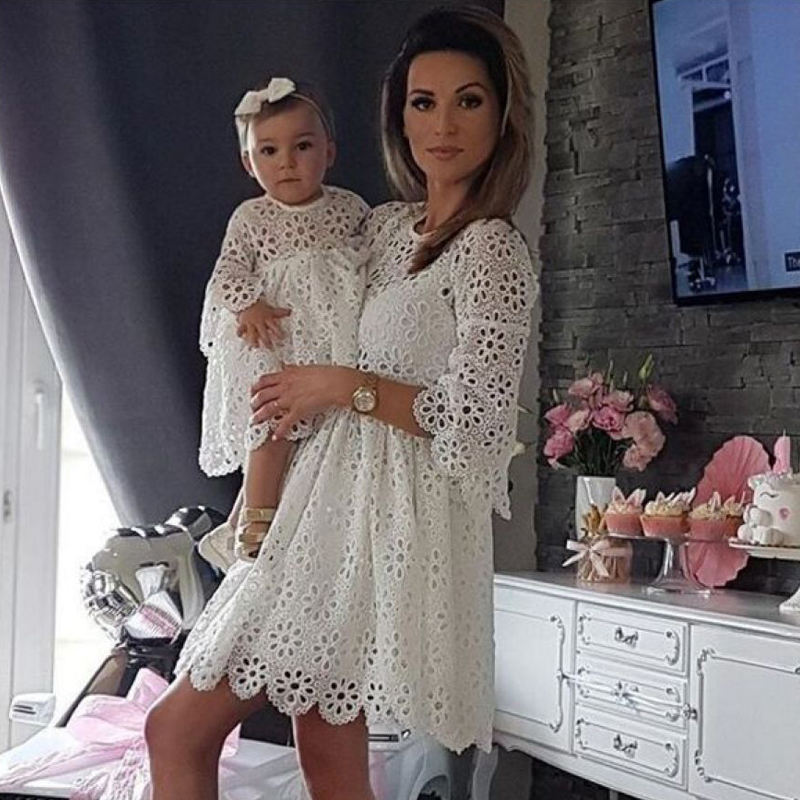 Fashion Mother And Daughter Lace Dress 2020 Summer Family Matching Outfits White Cute Dresses Half Sleeve Clothes Party Dresses