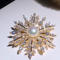Send to their girlfriends Zhuji pin factory beautiful brooches Pearl full glare flawless Pure natural pearl brooches