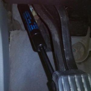 Image 5 - Amortyzator hamulec postojowy pedał wstrząsy sprężyna gazowa dla VW Touareg 2003 2004 2005 2006 2007 2008 2009 2010 dla Porsche Cayenne 2003 2010