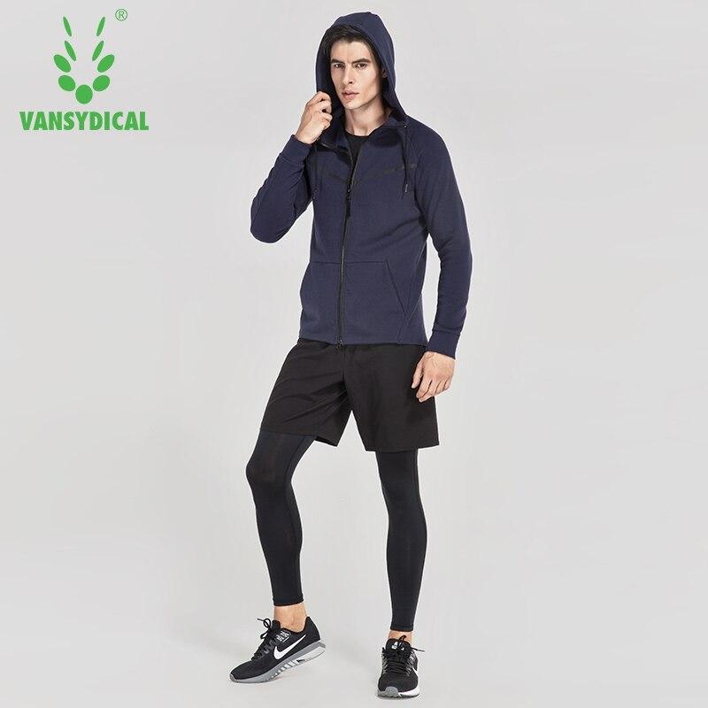 f811932d335f Marchio di Fitness Abbigliamento Sportivo Delle Donne Degli Uomini Vestiti  di Sport Invernali In Esecuzione Tute Pantaloni Set Traspirante Con  Cappuccio ...
