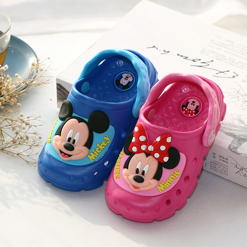 Disney children's LED flash cool slippers cartoon Mickey boys girls sandals summer non-slip bathroom beach Minnie hole shoes