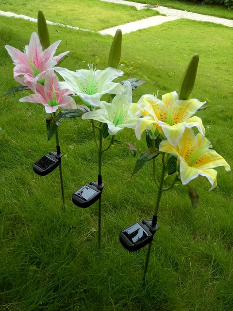 High Quality Lily Silk Solar Flower Garden Stake Landscape Lamp Outdoor Yard Led