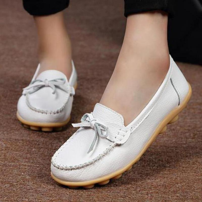Genuine Leather Flat Shoes Women Brand 2017 Casual Women Loafers Moccasins Shoes Woman Flats Slip On White Nurse Shoes Big Size  wolf who 2017 summer loafers cut out women genuine leather shoes slip on shoes for woman round toe nurse casual loafer moccasins