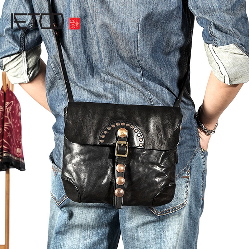 AETOO Retro mens shoulder bag diagonal cross head layer cowhide small bag personality punk wind leather messenger bag menAETOO Retro mens shoulder bag diagonal cross head layer cowhide small bag personality punk wind leather messenger bag men