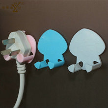 10pcs/Lot Baby Electrical Safety Plug Hook Security Safety Plug Hang Up Protective Baby Safety Accessories 3colors SAD-4073