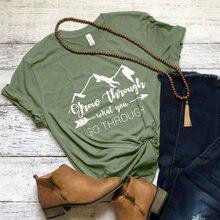 Crescer Através Do Que Você Ir Através de T-shirt Verão Gráfico Inspirado Acampamento T Encabeça Homens Mulheres Estética Viagem Do Tumblr Tshirt