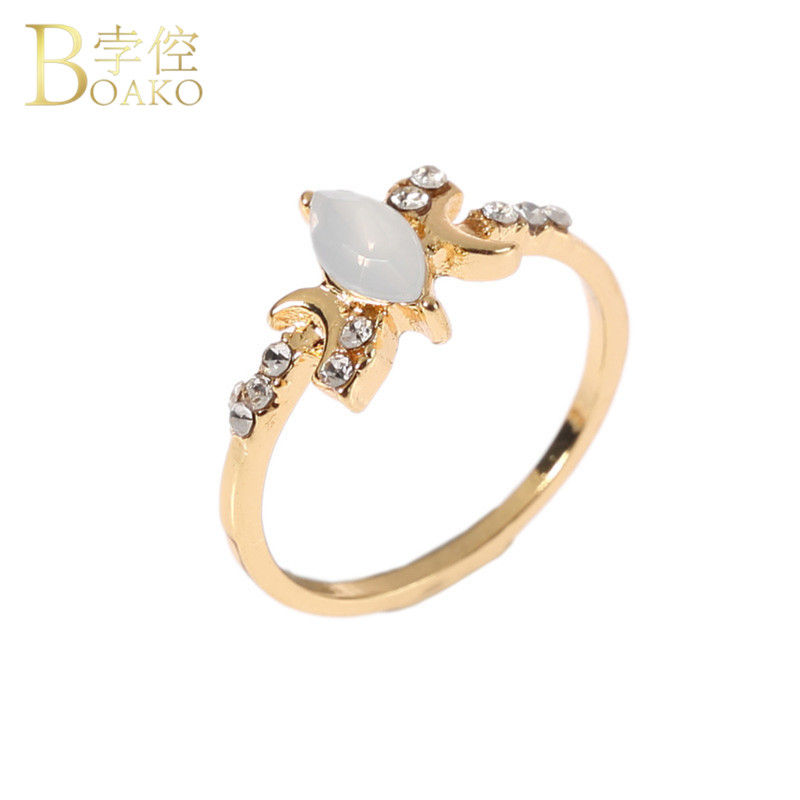 Fashion Opal Stone Engagement Wedding Rings For Women Gold Silver Simple Flat Crescent Moon Ladies Party Rings 2018 Jewelry R5FD