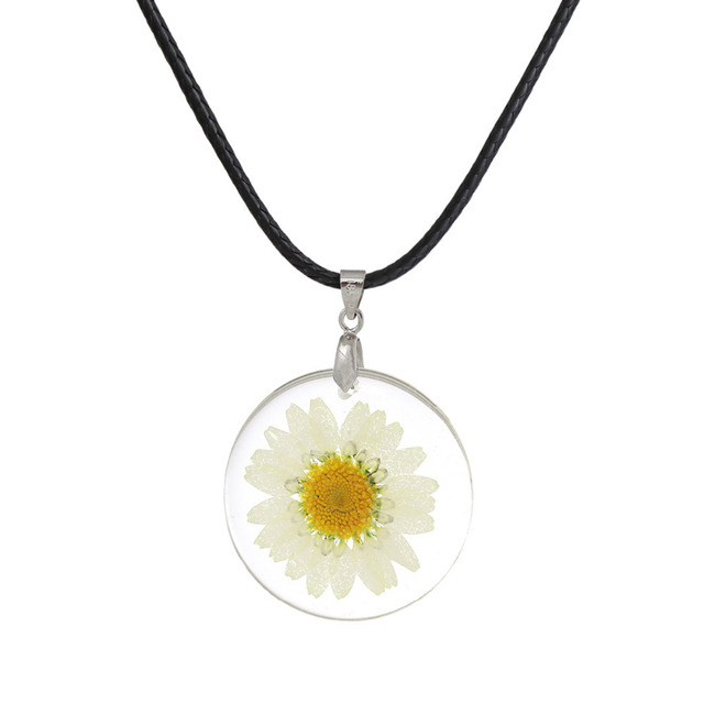 DoreenBeads Handmade Boho Transparent Resin Dried Flower Daisy Necklace White Ro