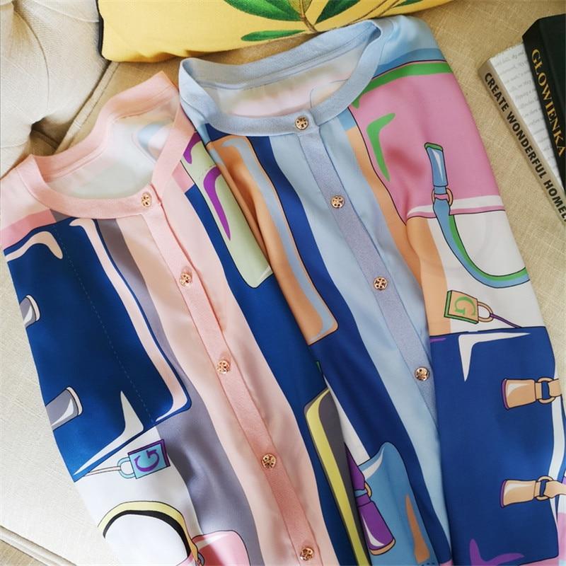 Luxe Designer Merk Gebreide Blouses voor Vrouwen O Hals Persoonlijkheid Tas Print Zijde Spliced Losse Gebreide Vest Shirts-in Blouses & Shirts van Dames Kleding op  Groep 2