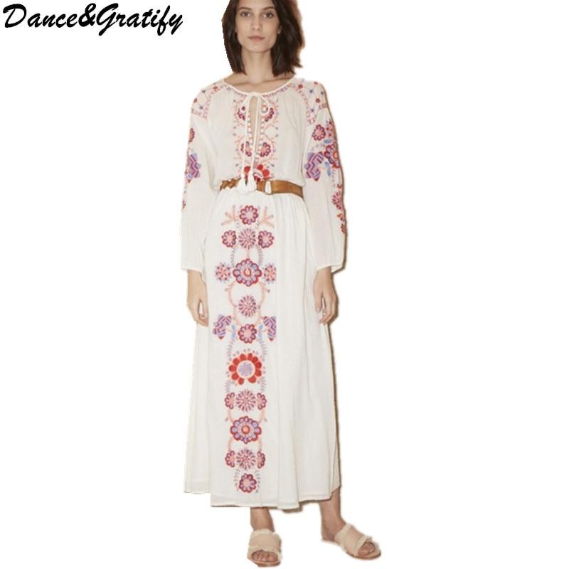 Robe bohème femmes Vintage Floral brodé Longue Robe coton blanc Robe Longue dames vêtements avec ceinture en cuir