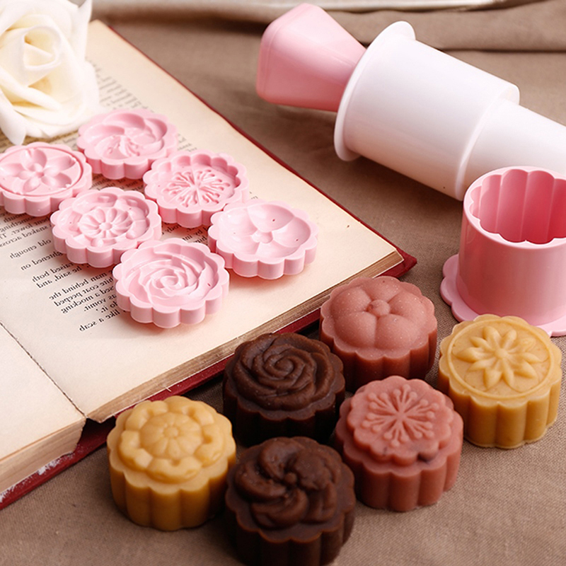 6pcs / Set Moon Cake Mold For DIY Moon Cake Tools Plastic Pastry Cake Plungers Hand Press Moon Cake
