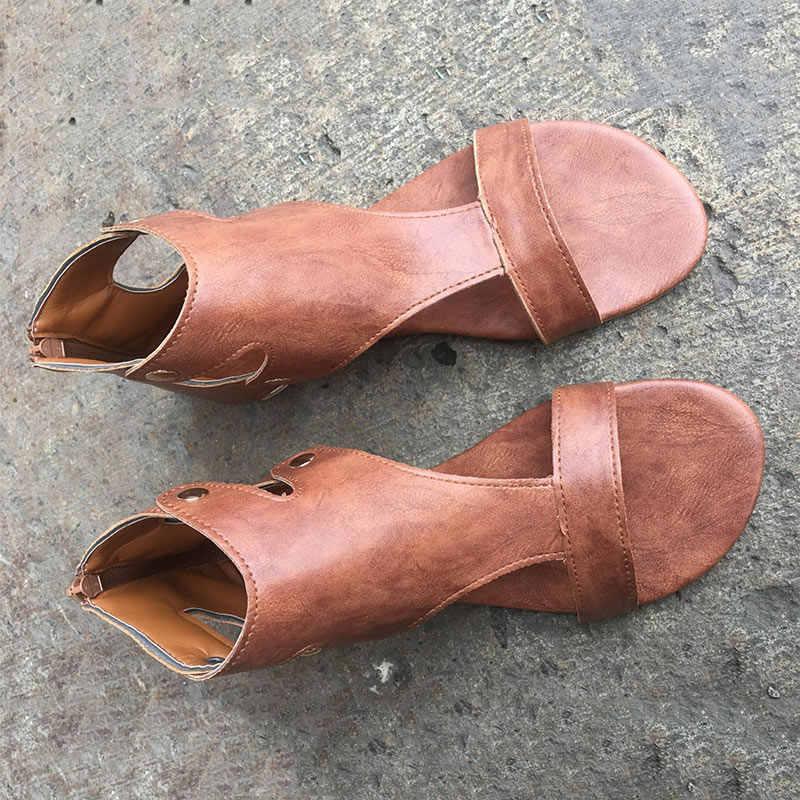 Sandali delle donne Sandali Piatti di Cuoio Morbido Scarpe Da Donna Più Il Formato Peep Toe Sandali di Estate Casual Gladiatore Spiaggia Sandalias Mujer