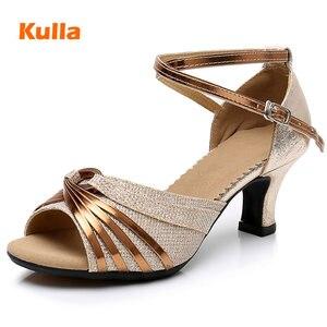 Image 1 - Sapatos de dança latina para mulher brilho cetim salsa tango sapatos sola de borracha macia senhoras sapatos de dança de salão salto 5.5cm tamanho 34 42