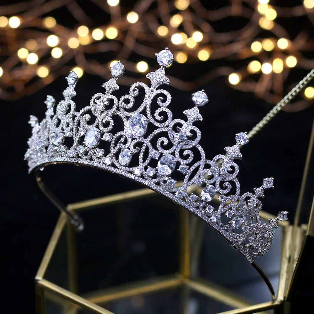 Fashionable Bridal Crowns Wedding Tiaras 2018 Hair Jewelry Wedding Hair Accessories Queen Crystals Tiara