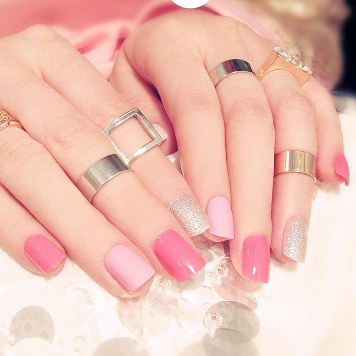 Sweet Pink Flat Fake Nails Glitter Silver Short False Nails Short ...