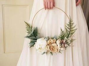 Image 2 - Iron gold metal ring draagbare guirlande kunstmatige bloem rack Kerst krans bruiloft bruid handgemaakte bloemen dream catcher hoepel