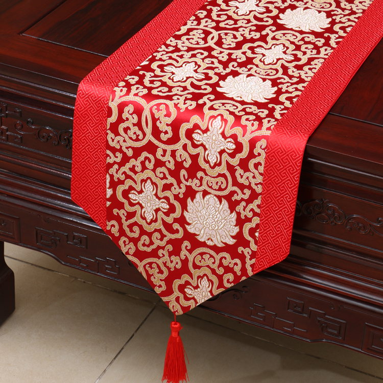Traditional Wedding Table Runner Floral Auspicious Party Bed Mat Satin Table  Cover Red Tablecloth Home Decor
