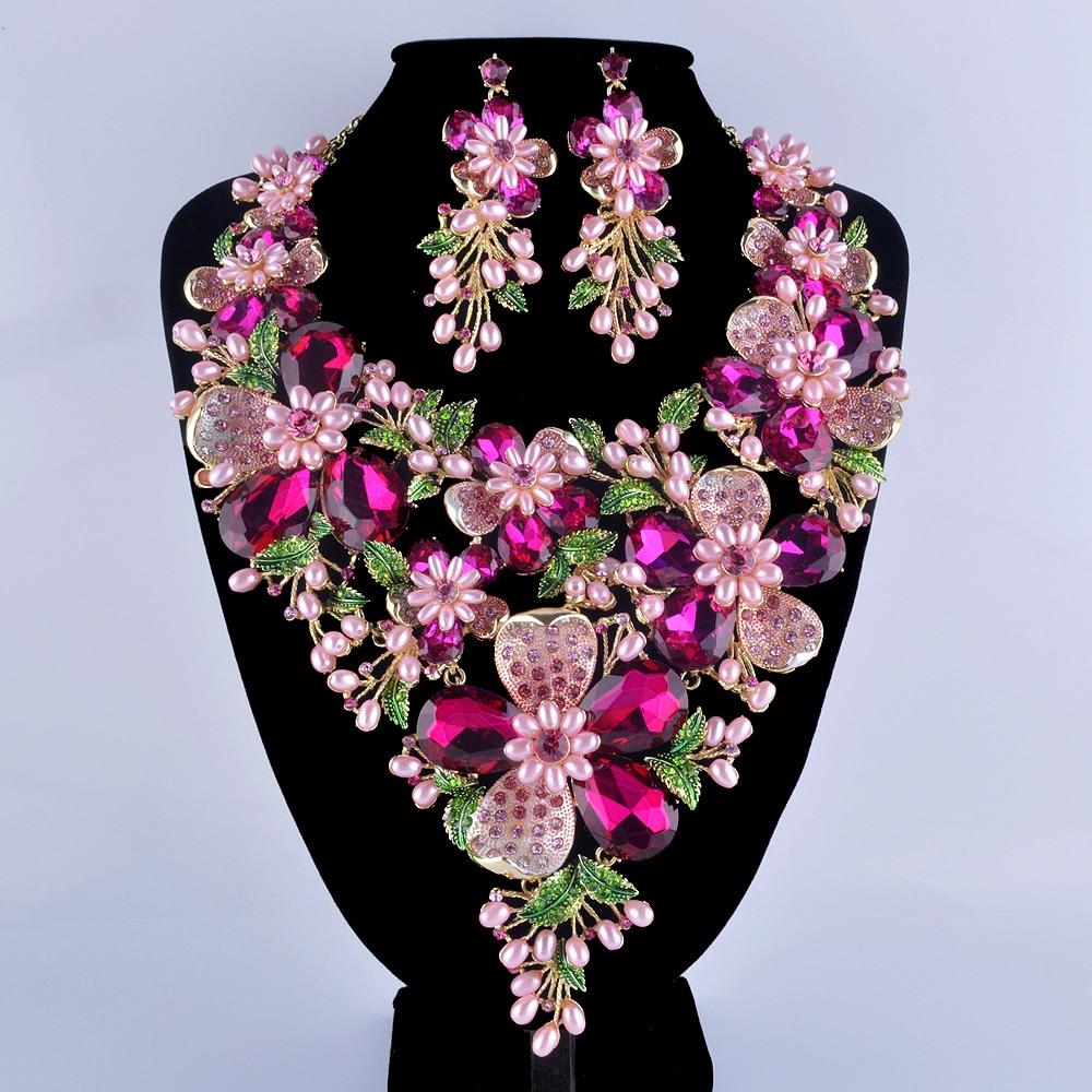 купить Fuchsia Rhinestone Golden Plated Flower Statement Necklace Set Pink Simulated Pearl Plant Bridal Wedding Party Pearl Jewelry Set по цене 2570.31 рублей