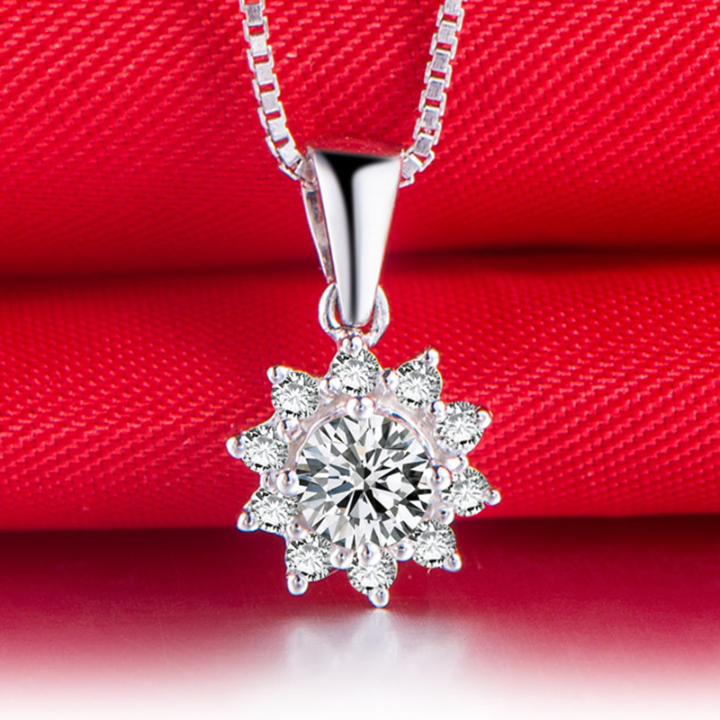 0.10ct/CenterStone+0.06ct/SideStone Love 18K Gold Diamond Pendant for Women Fashion and Fine Jewelry for Wedding and Engagement