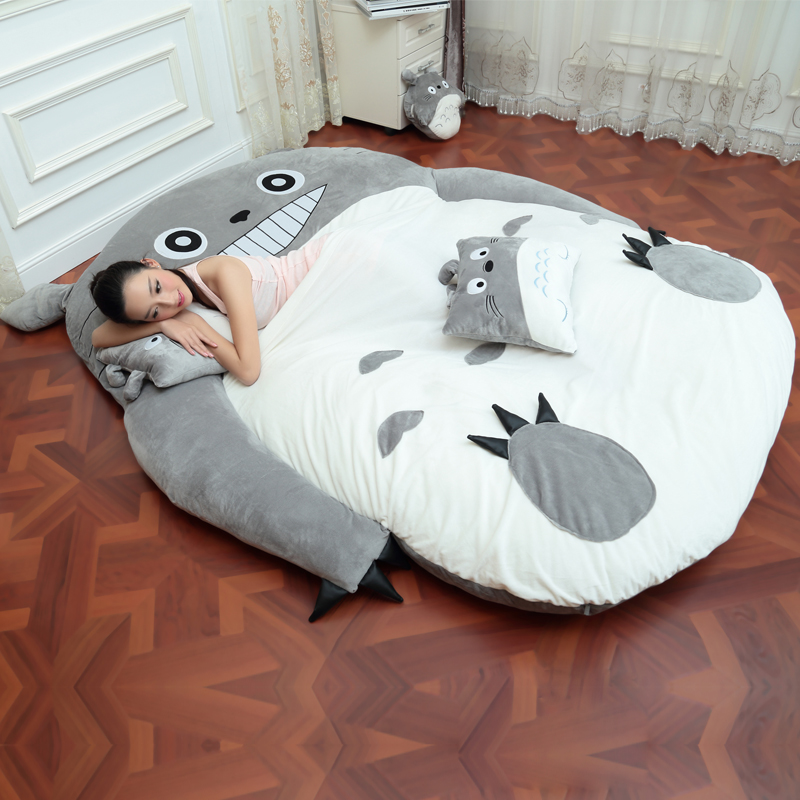 4 tamaño grande Totoro cama individual y doble Totoro cama colchón cojín felpa cojín Tatami cojín Beanbag matelas-in Pinzas y fundas de colchones from Hogar y Mascotas    2